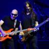 Joe Satriani – Flying In A Blue Dream