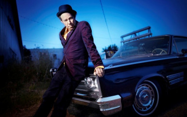 Tom Waits – Rains On Me