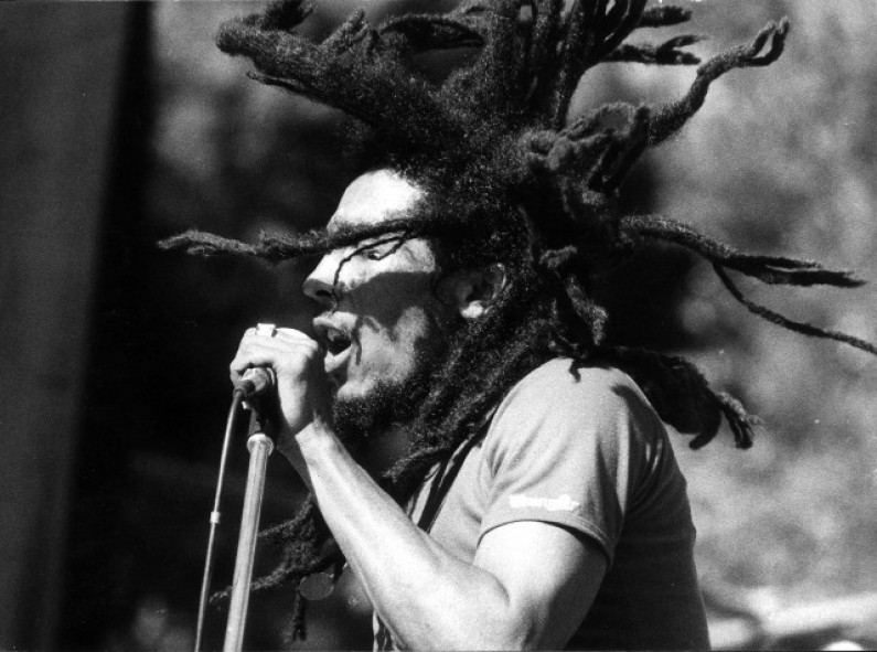 Bob Marley – Rebel Music 3 O'Clock Road Block