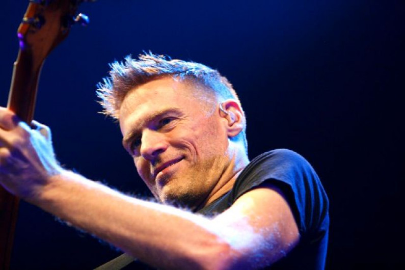 Bryan Adams – Straight From The Heart