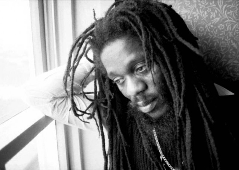 Dennis Brown – Promised Land
