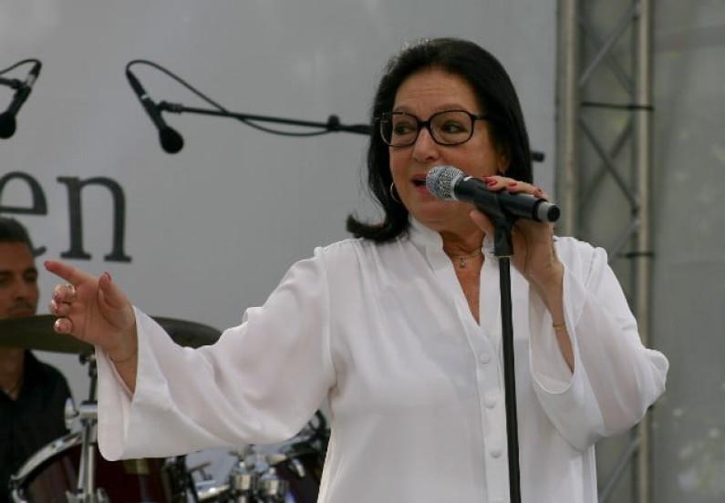 Nana Mouskouri – Amapola