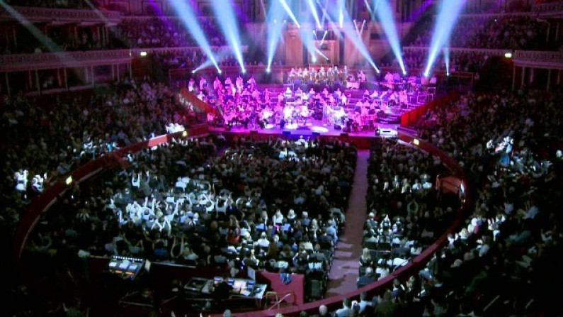 Royal Philharmonic Orchestra – Moonlight Shadow