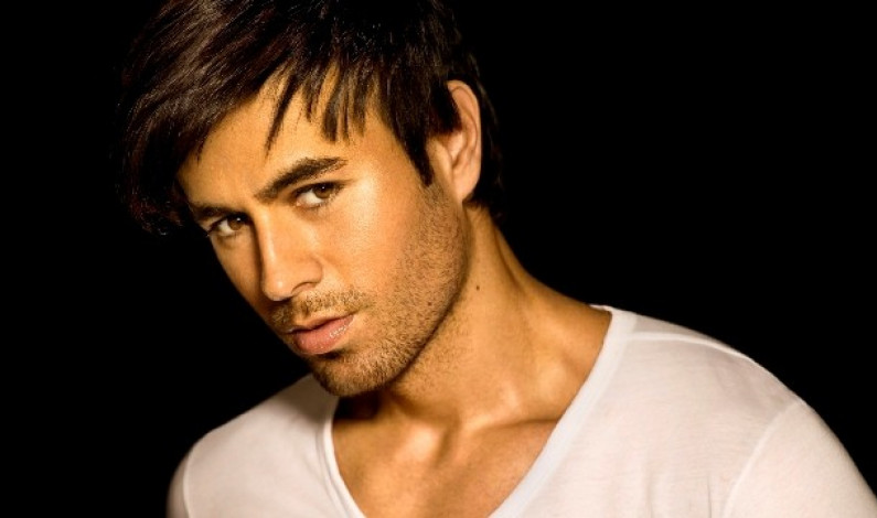 Enrique Iglesias – Somebodys Me