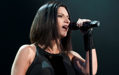 Laura Pausini – E mi manchi amore mio