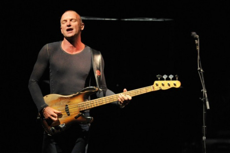 Sting – Moon Over Bourbon Street