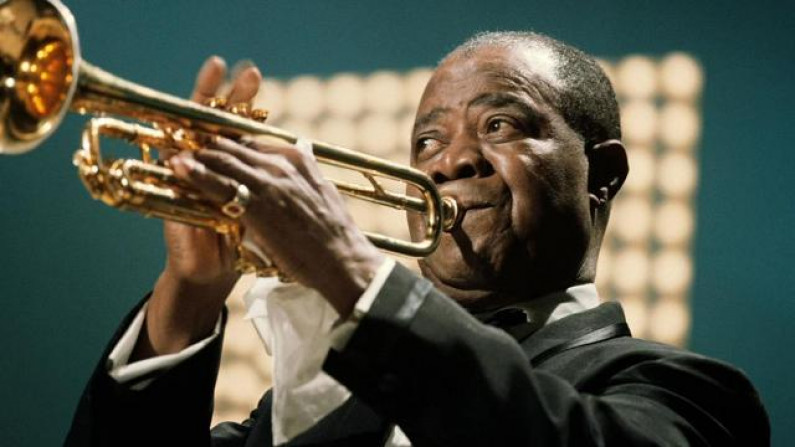 Louis Armstrong – When You're Smiling