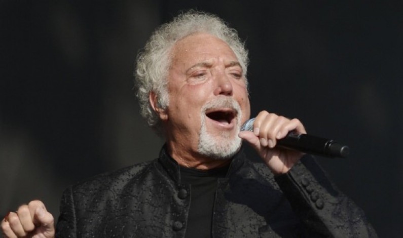 Tom Jones – I'll Never Fall In Love Again