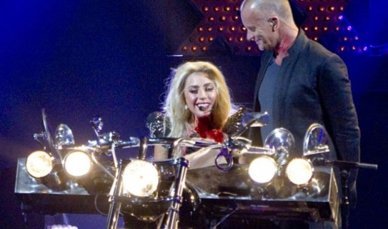 Sting and Lady Gaga perform 'Stand By Me' (live)